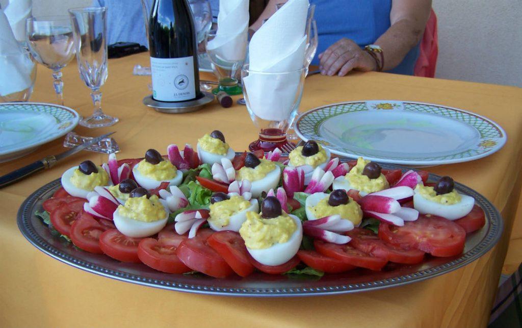 Table d'hôtes Aux 4 Saisons en Ariège Pyrénées - Tomates-oeufs mimosas