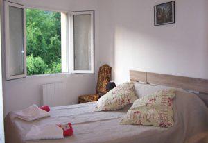 """Chambre d'hôtes """"Roquefixade"""" en Ariège Pyrénées - Aux 4 Saisons"""