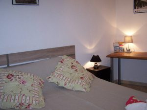 chambres-hotes-familiale-piscine-ariege-pyrenees-mirepoix-montsegur