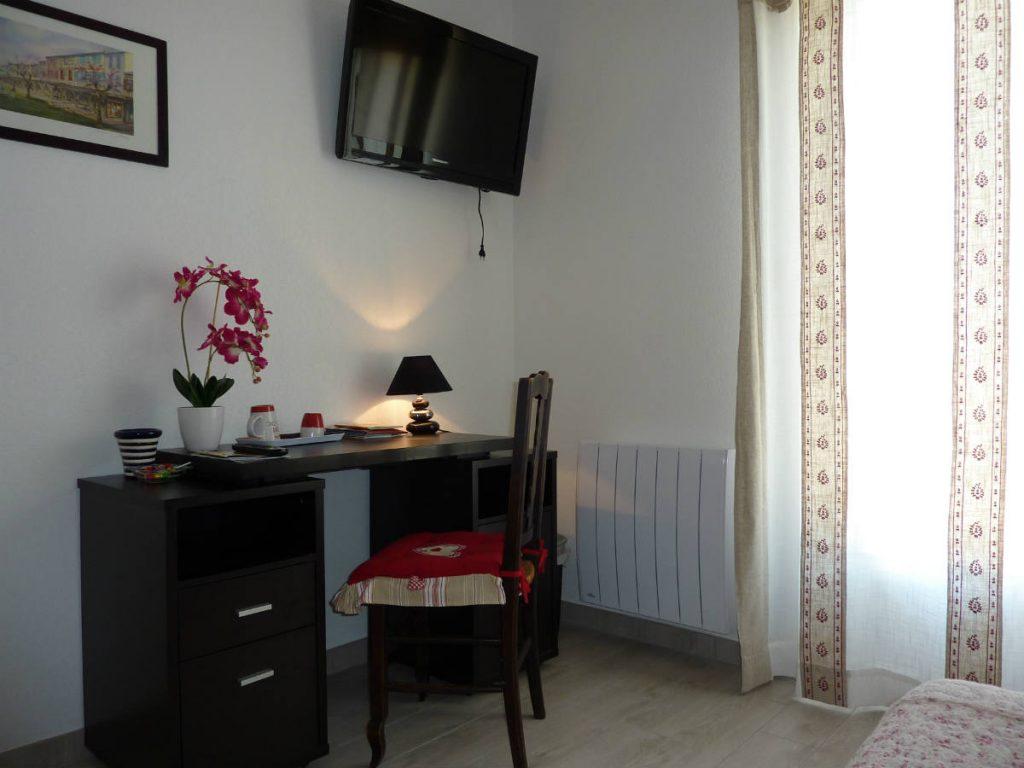 """Chambre d'hôtes de charme """"Mirepoix"""" en Ariège Pyrénées, """"Aux 4 Saisons"""""""