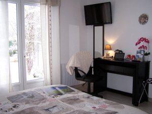 """Chambre d'hôtes de charme """"Montségur"""" en Ariège Pyrénées, """"Aux 4 Saisons"""""""